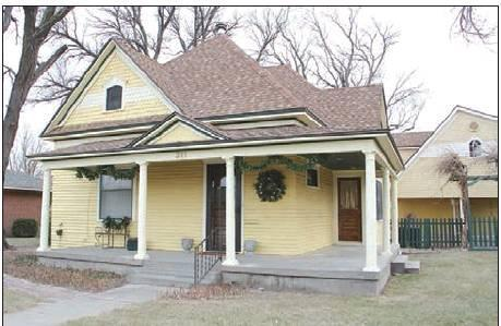 Striking a balance between past and future for former Starr home