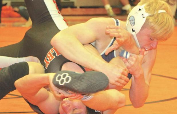 Beavers use strong start to send 9 grapplers to sub-state